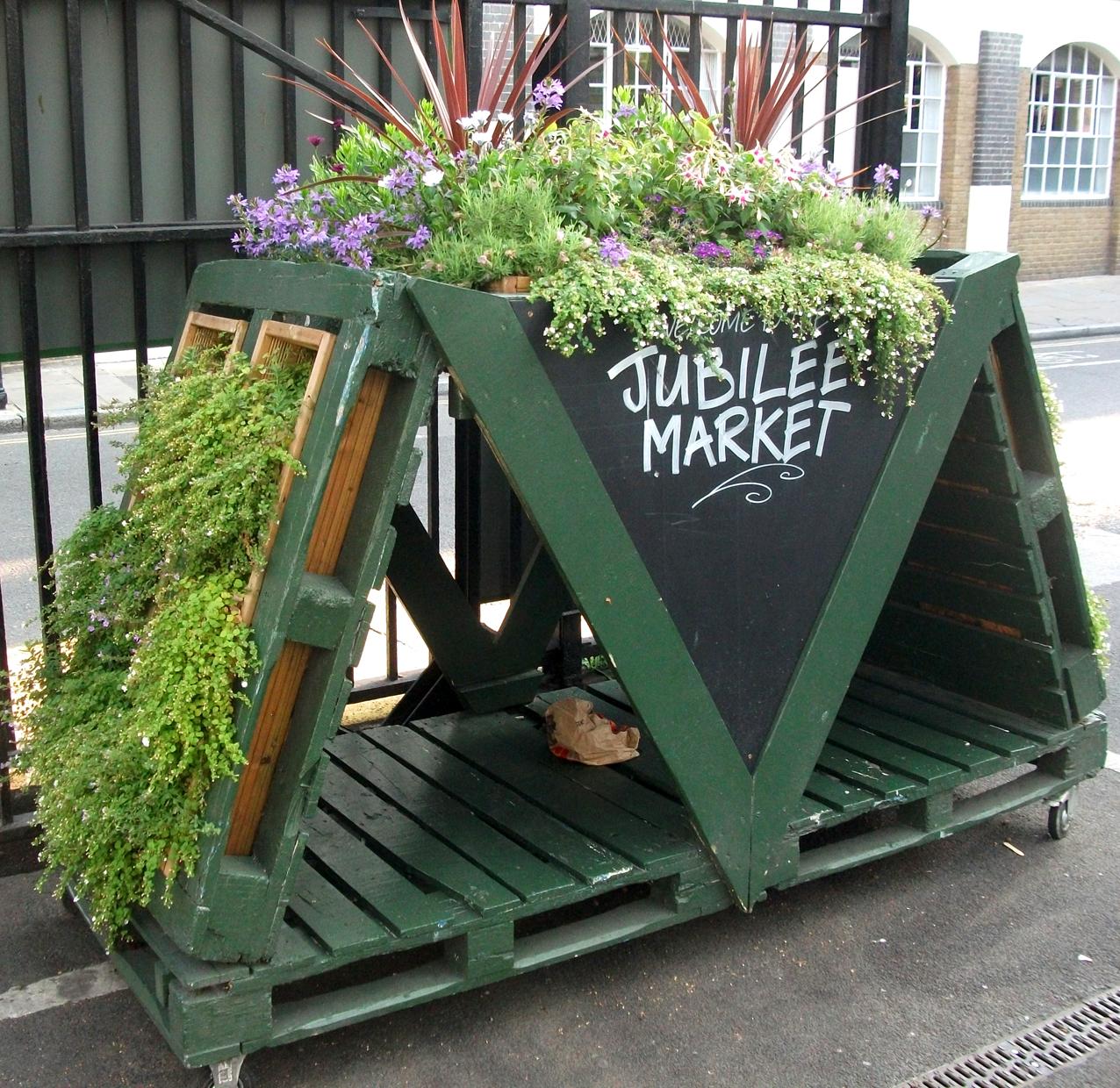 29 july 2012 weeds up to me knees for Cd market galeria jardin