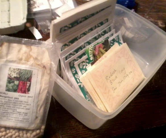seedswap in tupperware